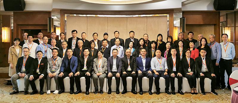 晉江市委常委、統戰部部長黃文福、晉江市副市長王文暉熱情接待訪問團一行。